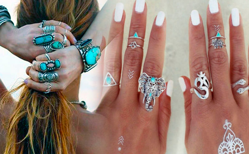 Mujer con anillos hippies