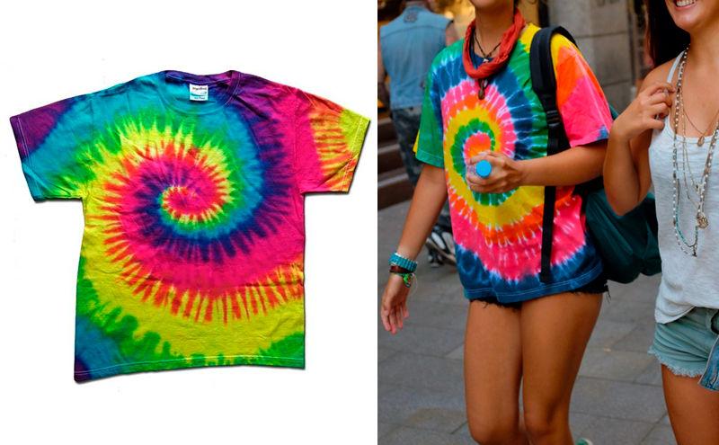 Mujeres con camiseta hippie