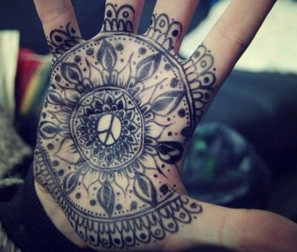 tatuaje hippie palma de la mano