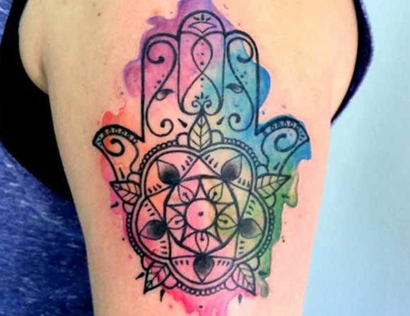 tatuaje mano hamsa